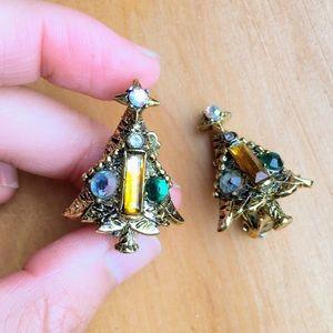 Vintage Hollycraft Christmas tree clip on earrings
